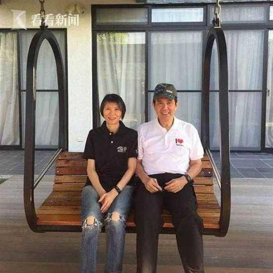 马英九结婚41周年 脸书发文称承认怕太太