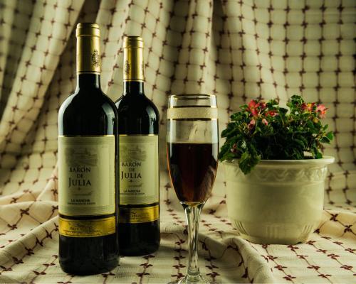 干红和葡萄酒哪个好喝