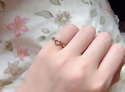 小指戴戒指什么意思