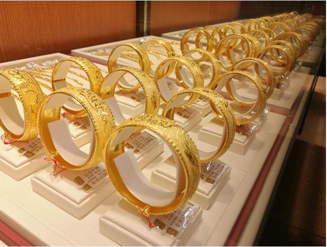 铂金价格仅为黄金的三分之二 但铂金首饰却比黄金首饰贵