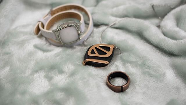 3D打印进入高级珠宝领域 宝石龙把戒指做得和真花一样