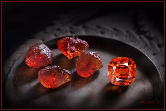 """彩色宝石当中的小众新贵""""芬达石"""""""
