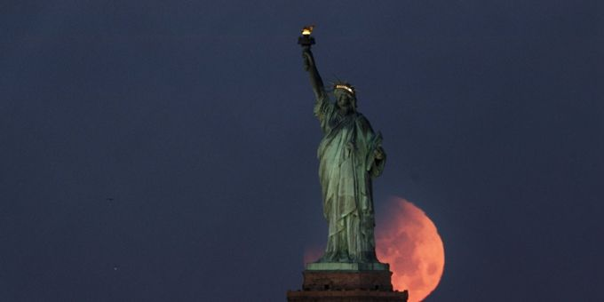自由女神像附近起火 游客已全部被撤离