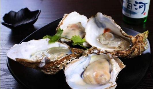 一顿海鲜餐吃出了30多颗珍珠 听起来是不是觉得非常的不可思议