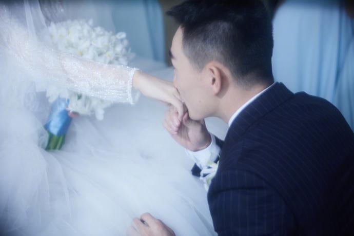 张馨予婚宴菜品不简单 充分展示出她对何捷的爱意有多深!