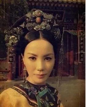 王菲变贵妃娘娘?和她衣品一样在线 旁人也就只配为妾!
