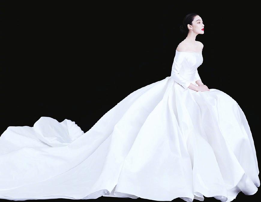 张馨予真是明星中一股清流:三套婚纱12万 却穿出上百万的感觉