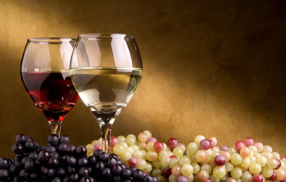甜葡萄酒和干红的区别