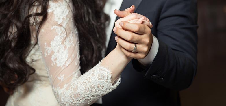 结婚对戒一般多少钱