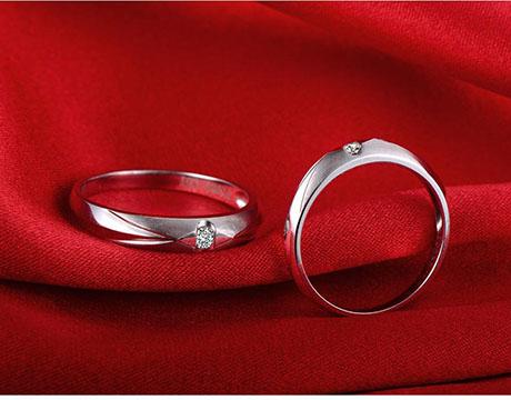 婚戒买对戒还是钻戒