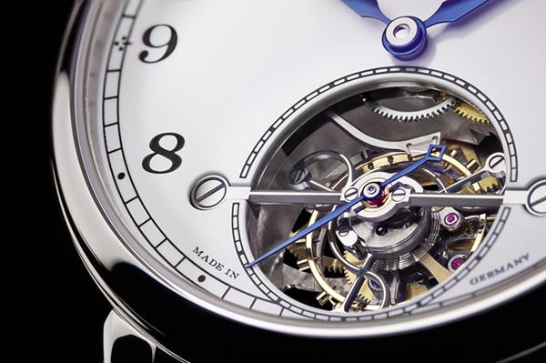朗格表限量发行100枚1815 Tourbillon特别版腕表