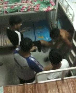 男生宿舍围殴同学