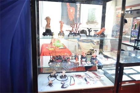 第十六届中国工艺美术暨古典家具、珠宝玉石博览会盛大召开