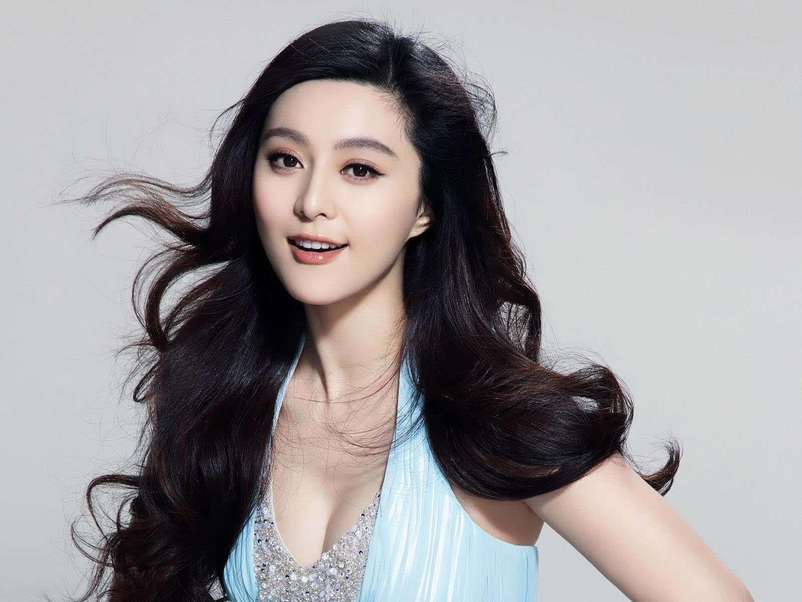 范冰冰将接受制裁 她和李晨还能结婚吗?