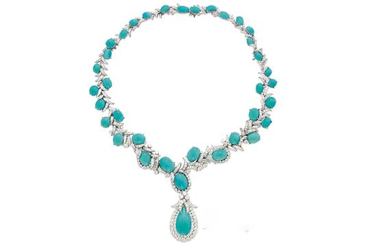 比黄金还珍贵的绿松石 在宝石市场上颇受欢迎