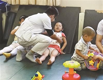 母亲退捐感动网友 救急不救穷这是她的态度
