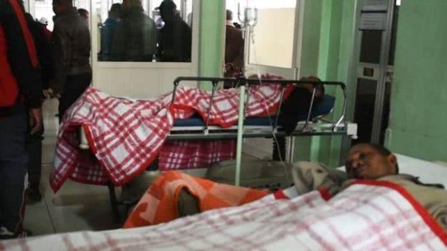 非洲杯踩踏事件 致1人丧生40人受伤