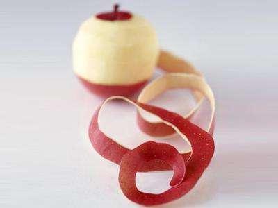 吃苹果到底要不要削皮