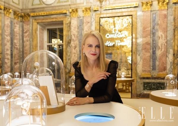 海瑞温斯顿相伴妮可·基德曼亮相某展览开幕盛会