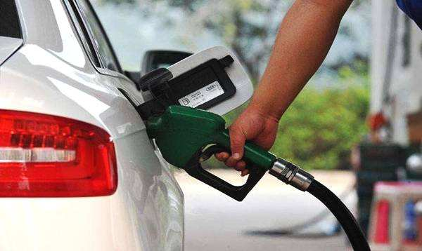 中国新增上万座加油站 成品油行业掀起全新风暴?