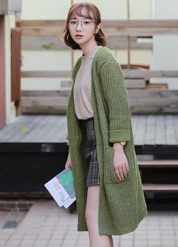 初秋穿衣搭配技巧示范 毛衣+阔腿裤时尚感满满
