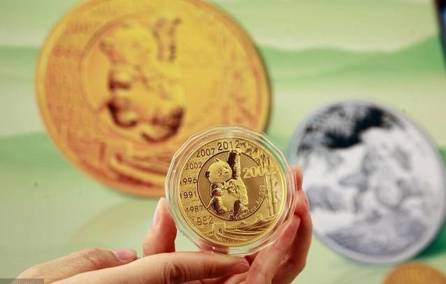 熊猫金银币受市场热捧 5盎司金币和5盎司银币都已经被抢购一空
