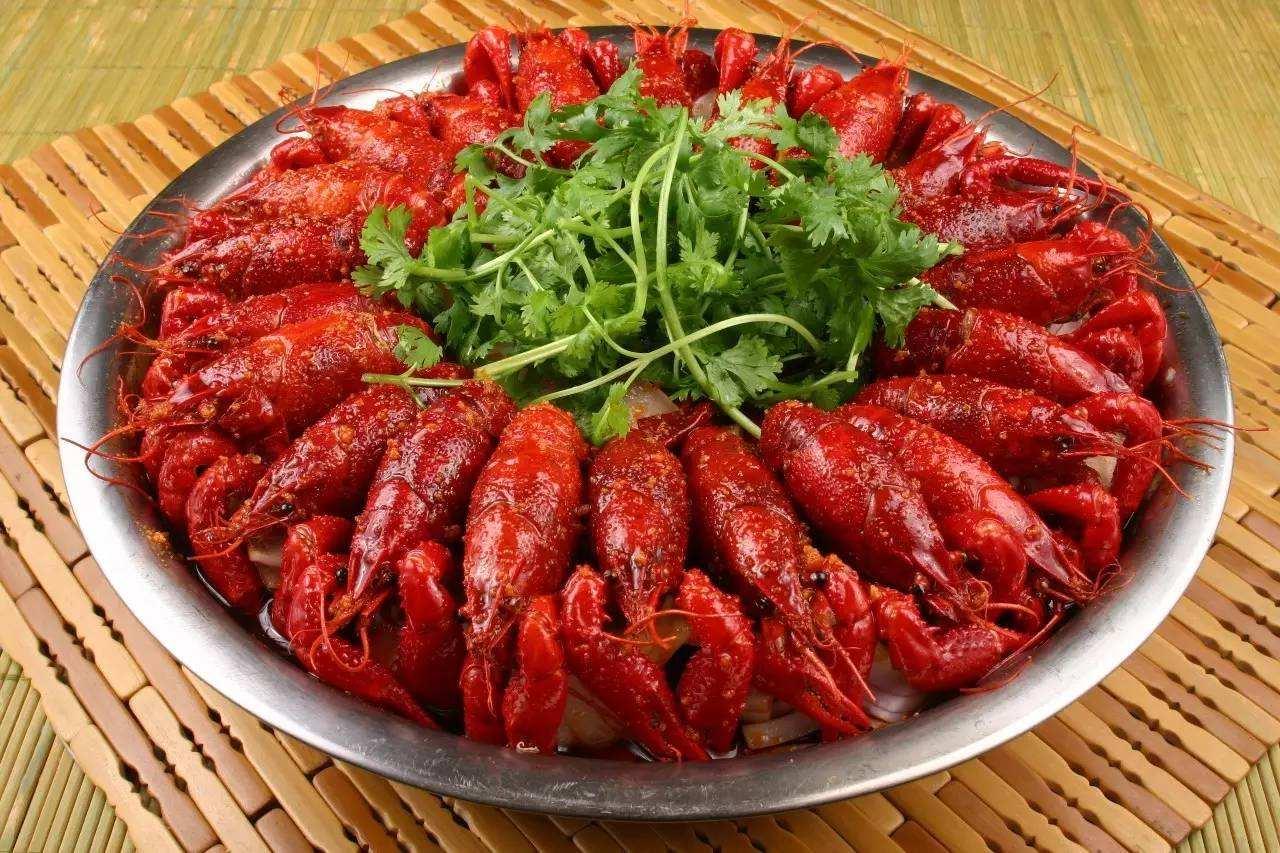 美国一餐厅给龙虾吸大麻 让它们死了都要嗨
