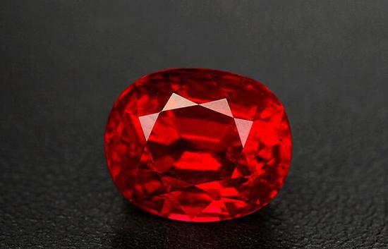 宝石为人们守护着美好愿望 揭开红宝石神秘面纱