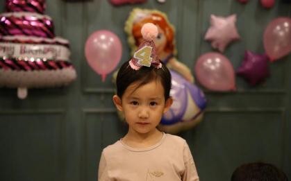 黄磊女儿成长趣事 多妹童言童语呆萌可爱