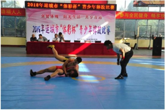"""山西运城市""""体彩杯""""青少年摔跤比赛在稷山开赛"""