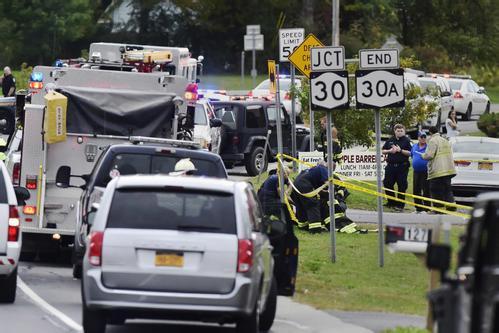 纽约婚礼车突发车祸 造成至少20人遇难