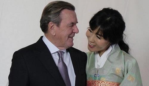 德前总理第5次结婚 5月前已在韩国登记领证