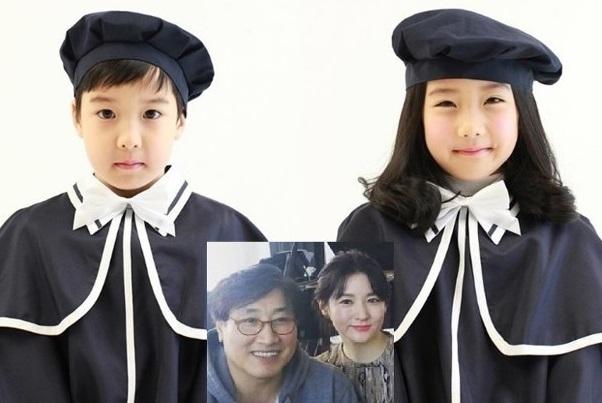 李英爱儿女近照 两人都继承了妈妈的美貌