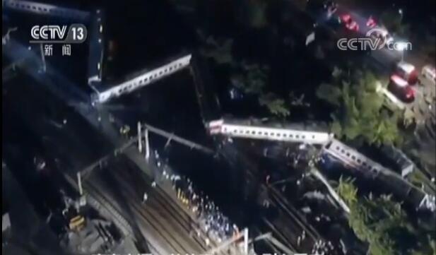 台湾铁路列车出轨 事故造成18人死亡183人受伤
