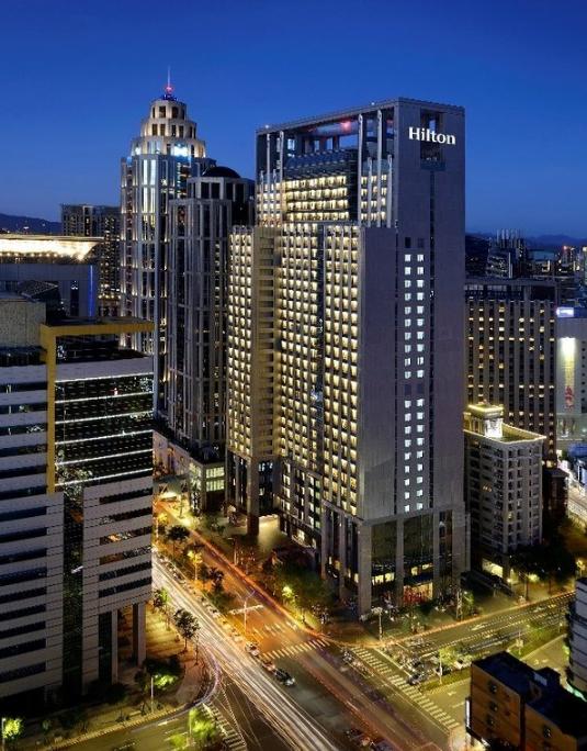 台北新板希尔顿酒店开业成为新北市首家国际高端酒店
