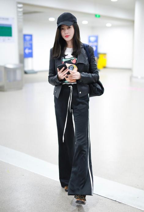 2018秋冬丝绒裤才能给你时髦和安全感!