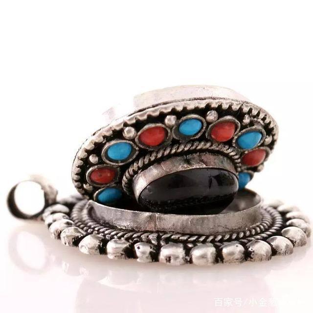 去西藏旅行买藏银要注意了