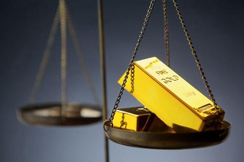 国际金融市场风声鹤唳 黄金价格从上周触及逾三个月高位下滑