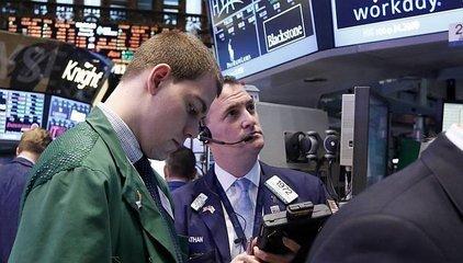巨震后美股全线上涨 道指一度涨逾450点