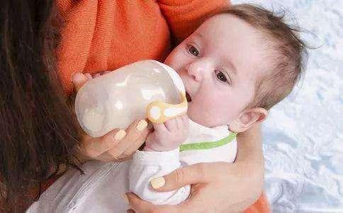 如何给宝宝断奶