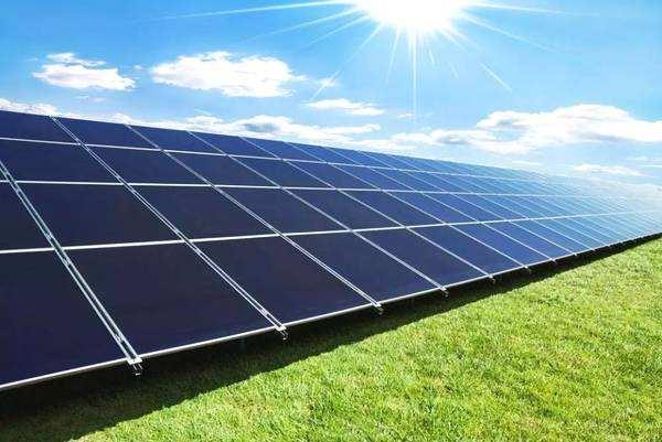 特斯拉太阳能屋顶明年将进入大规模量产阶段