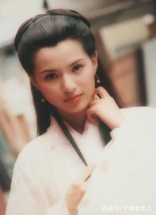 小龙女哀悼金庸 只有她没用角色告白