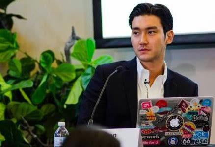 崔始源参加斯坦福大学会议活动 网友:崔总裁的外交人生
