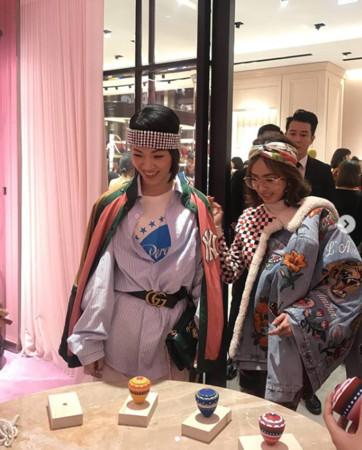 蔡依林罕见与姐姐同台亮相 高颜值保镖入镜引众议
