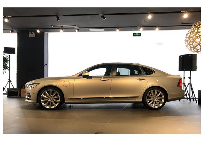 国际豪车品牌大胆创新取消副驾 营造奢华老板位