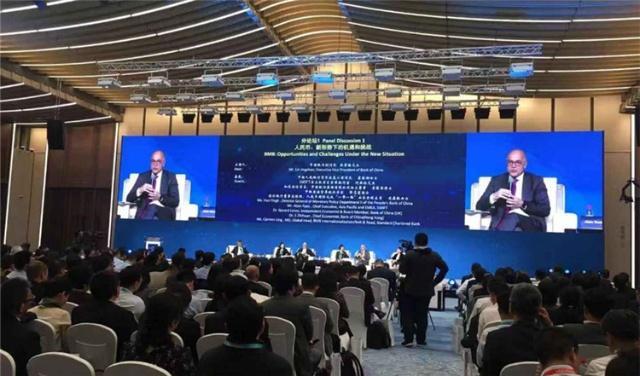 上海自贸试验区探讨人民币跨境管理新机制