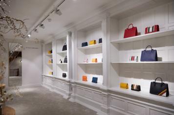 Strathberry伦敦伯灵顿拱廊街 开设第一家独立店铺