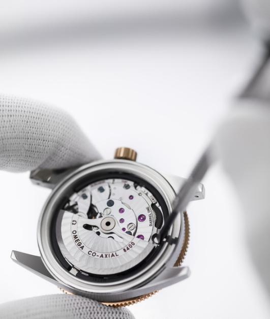 欧米茄(OMEGA)正式宣布将品牌全系列腕表的保修服务延长至5年