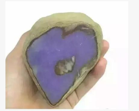 百万的紫罗兰翡翠里面竟然只是一片锡纸?