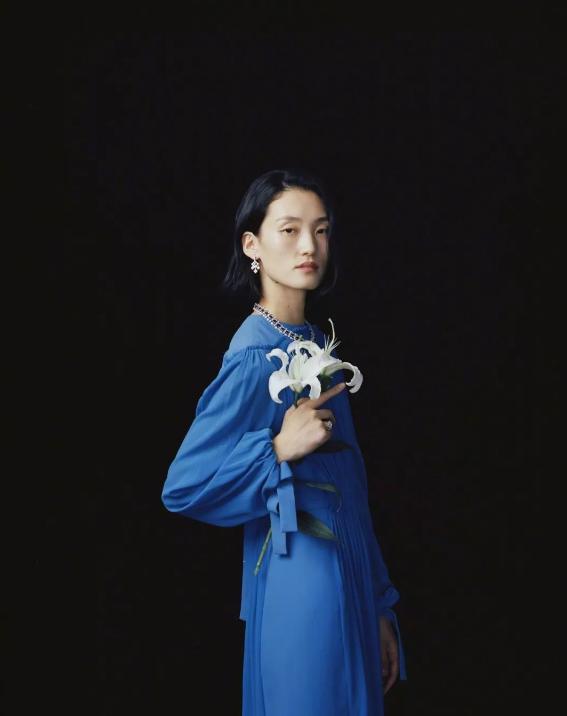 超模张丽娜演绎Pans璞安广告大片 用珠宝写家的故事